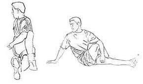 Перекрестное растягивание (сидя)